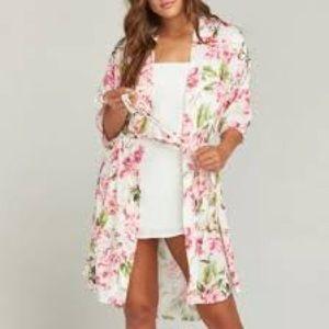 Show me your mumu one size flowery robe.